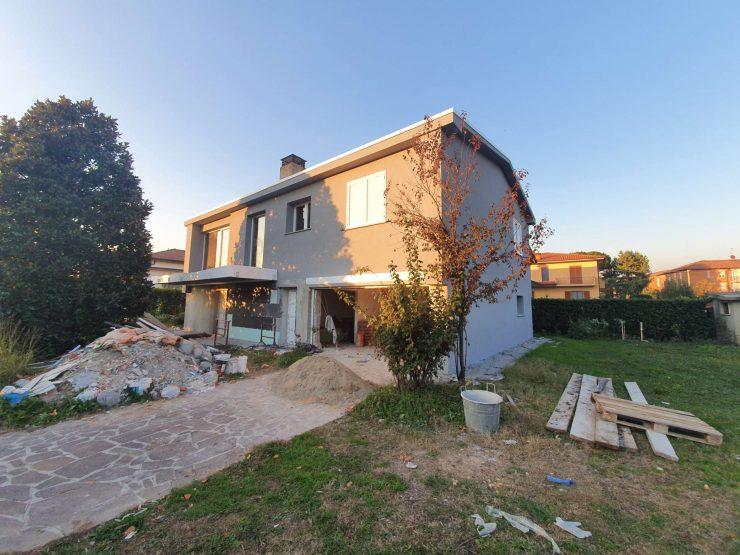 Villa Unifamiliare al rustico con 920 mq di giardino